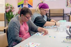 Women_playing_bingo
